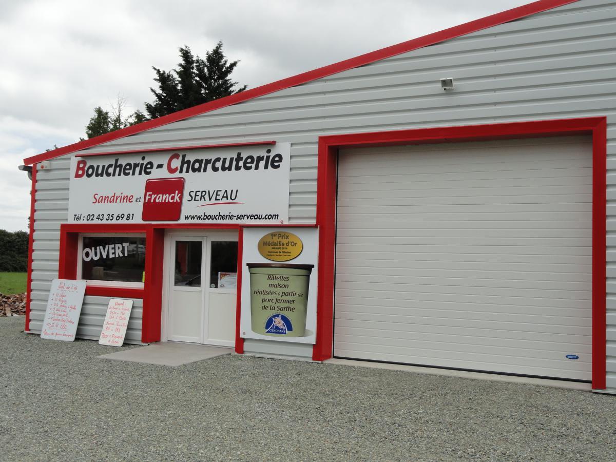 Facilité d'accès à la Boucherie Charcuterie avec un grand parking gratuit.
