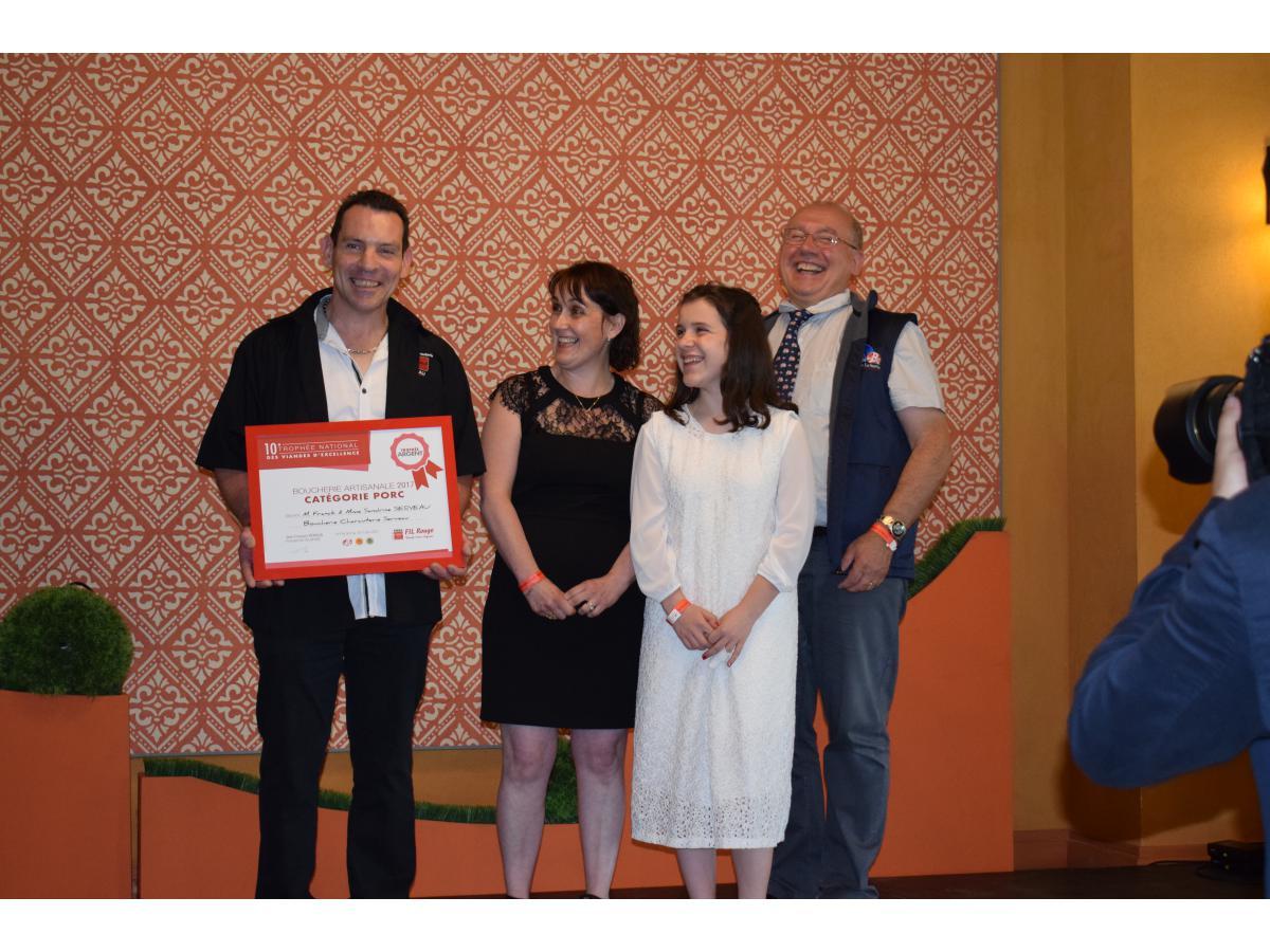 Trophée d'Argent - Catégorie Porc remis lors du 10ème Trophée National des Viandes d'excellence