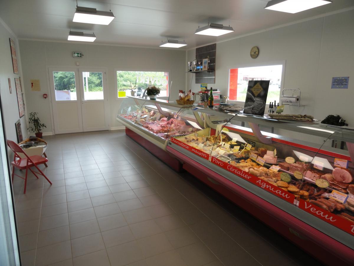 Une Boucherie Charcuterie moderne pour le confort des clients.