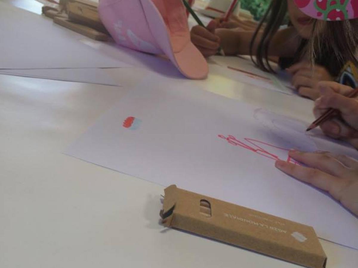 Atelier de dessin avec les enfants
